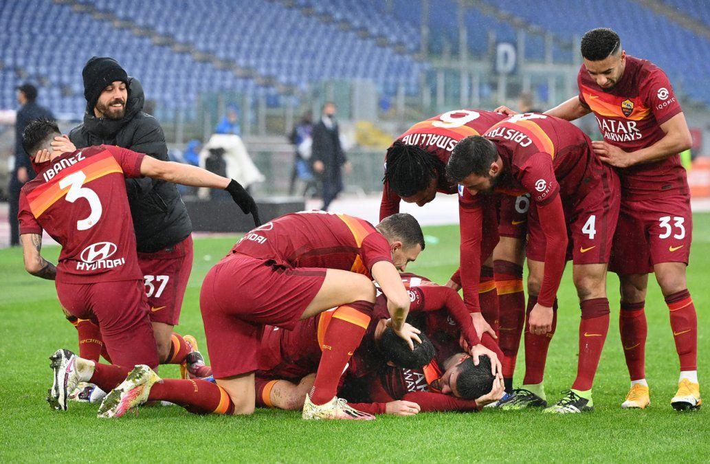 El Inter de Milán perdió pie ante la Roma