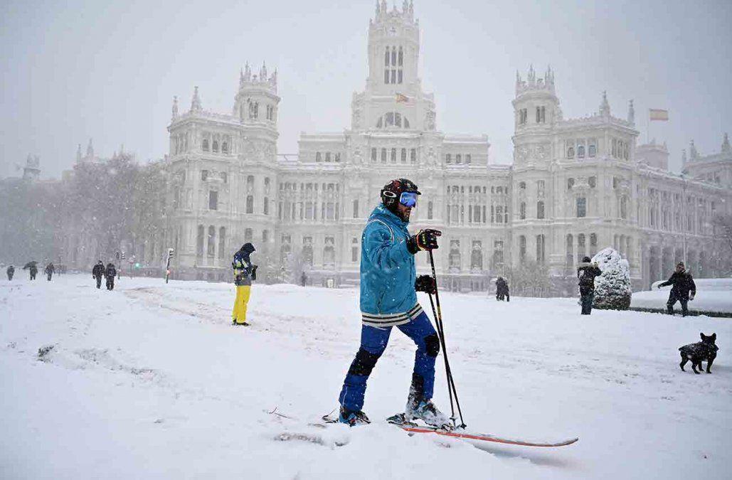 Madrid sigue paralizada tras la histórica nevada