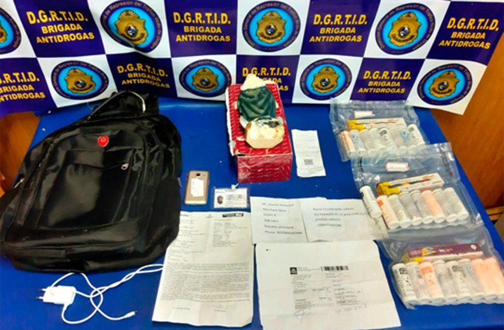 Africano detenido en Tres Cruces tras intentar enviar encomienda con cocaína a Francia