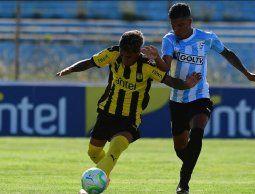 Peñarol y Cerro empataron 1 a 1 en el inicio del torneo Clausura