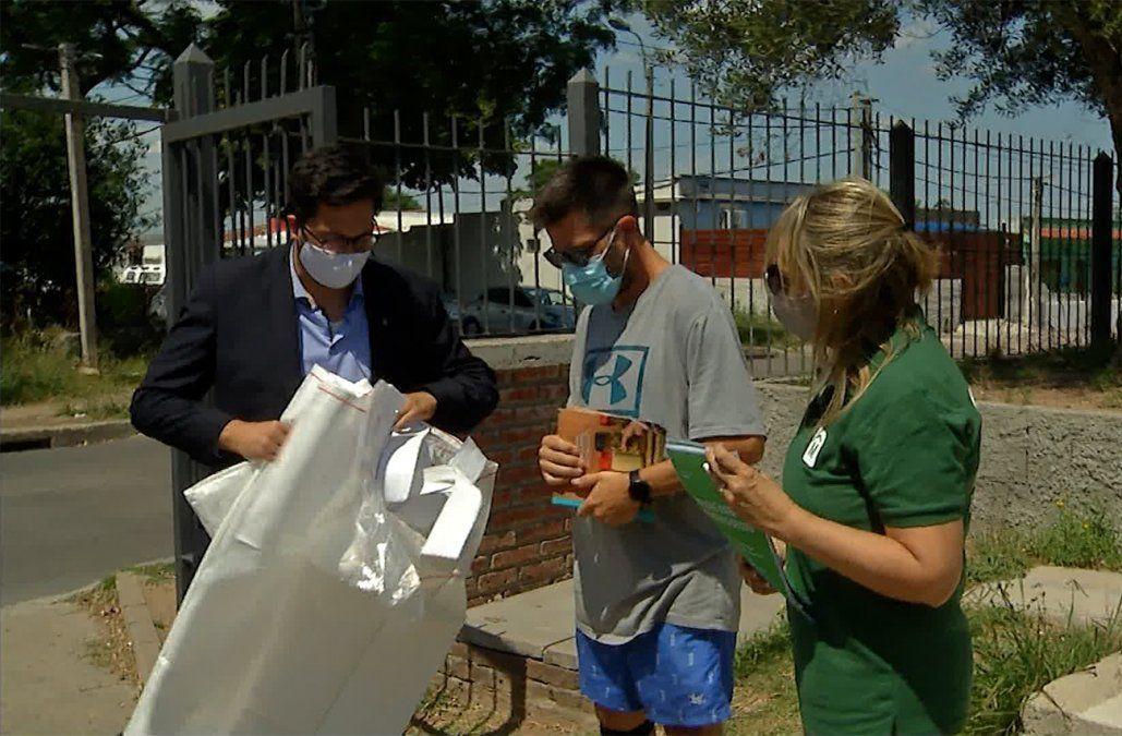 IM entregan 1.000 bolsones de clasificación de residuos en cooperativas y edificios