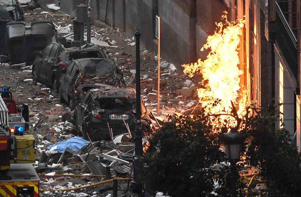 Sube a cuatro el número de fallecidos en explosión por escape de gas en Madrid