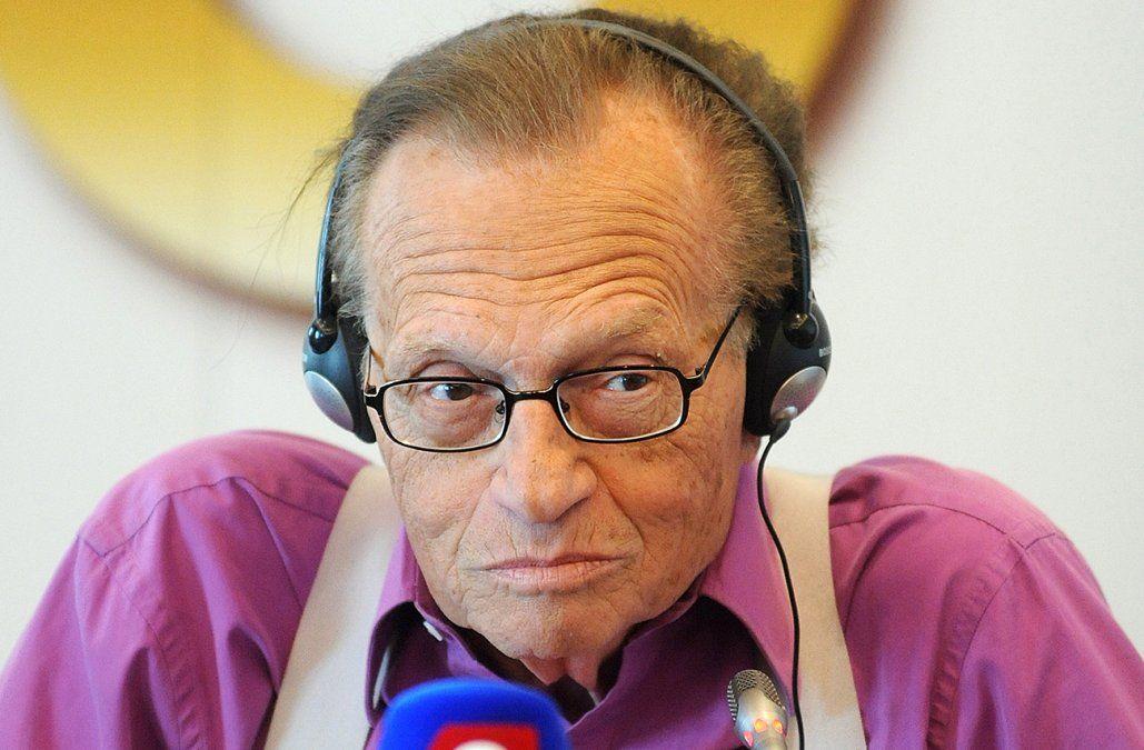 A los 87 años murió el famoso periodista Larry King; llevaba semanas luchando contra el Covid
