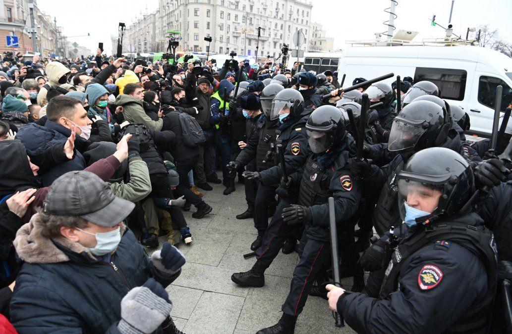 3.500 detenidos en Rusia en protestas en apoyo a Navalni