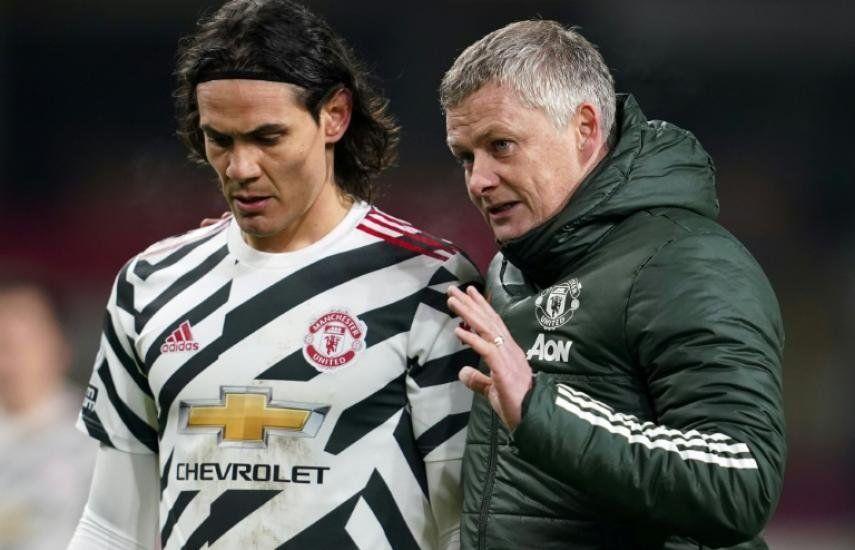 Técnico de Manchester United no para de elogiar a Cavani por su humildad y profesionalismo