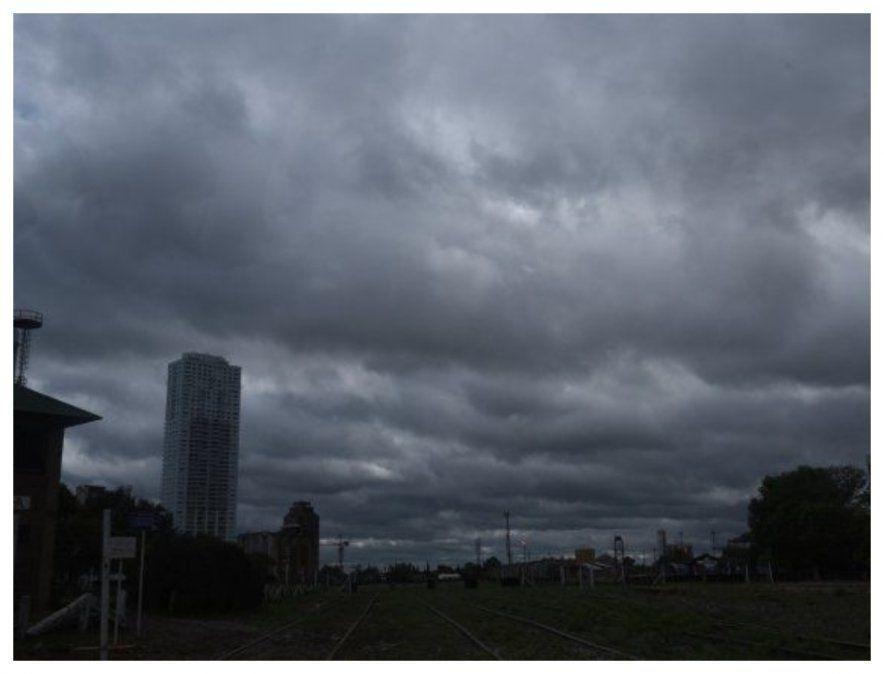 Aumento de nubosidad; posibles lluvias y tormentas hacia la noche