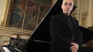Tras el portazo de 2014, Stefan Lano vuelve a dirigir la Orquesta Sinfónica del Sodre
