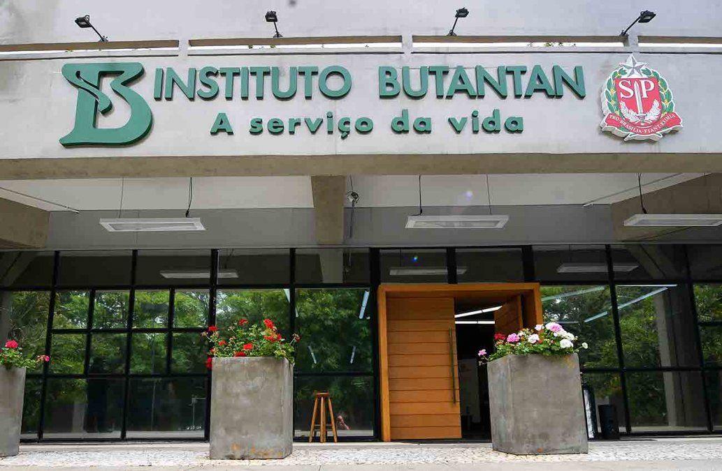 Instituto Butantan sostiene que Uruguay acordó compra de vacunas directo con Sinovac
