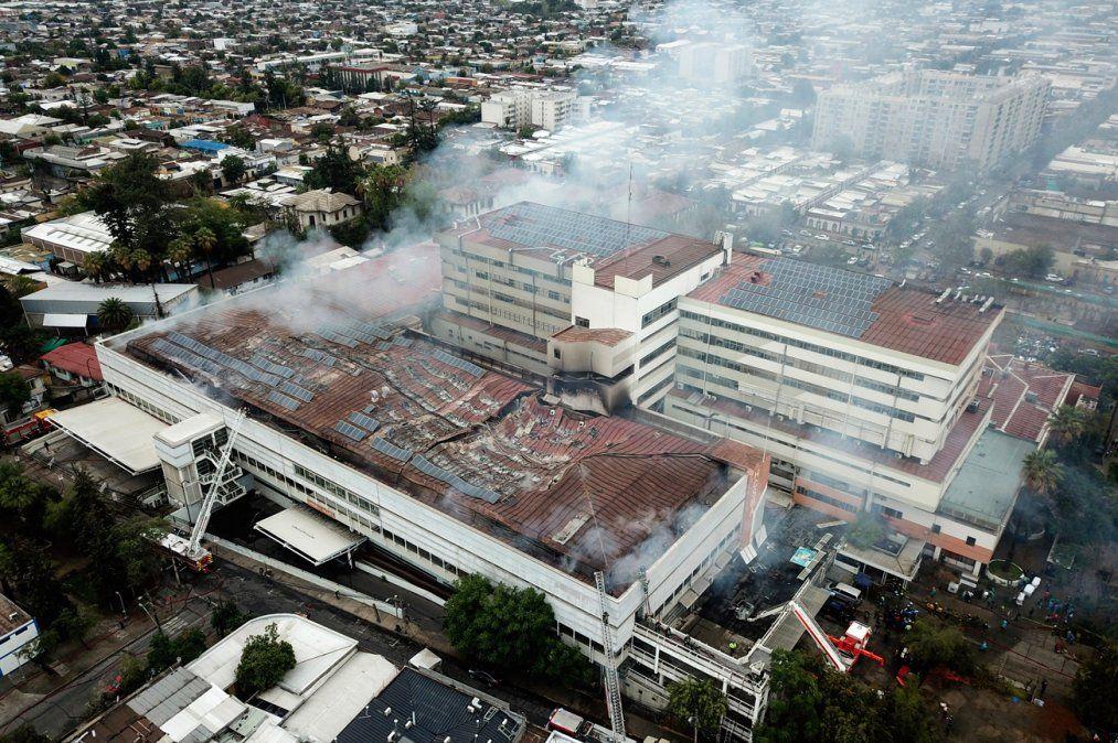 Incendio en hospital de Santiago de Chile obligó a evacuar a pacientes