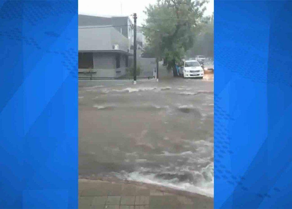 Varios departamentos afectados por el temporal de lluvia y viento de este sábado