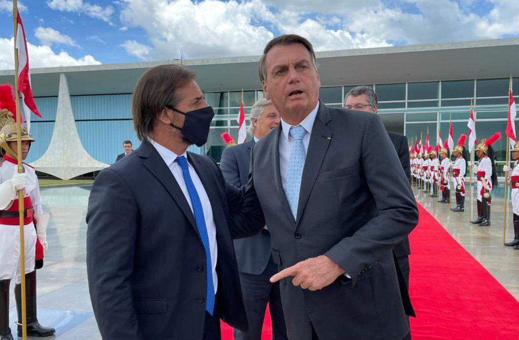 Lacalle Pou con Bolsonaro en Brasilia. Foto: publicada por Lacalle Pou en Twitter.