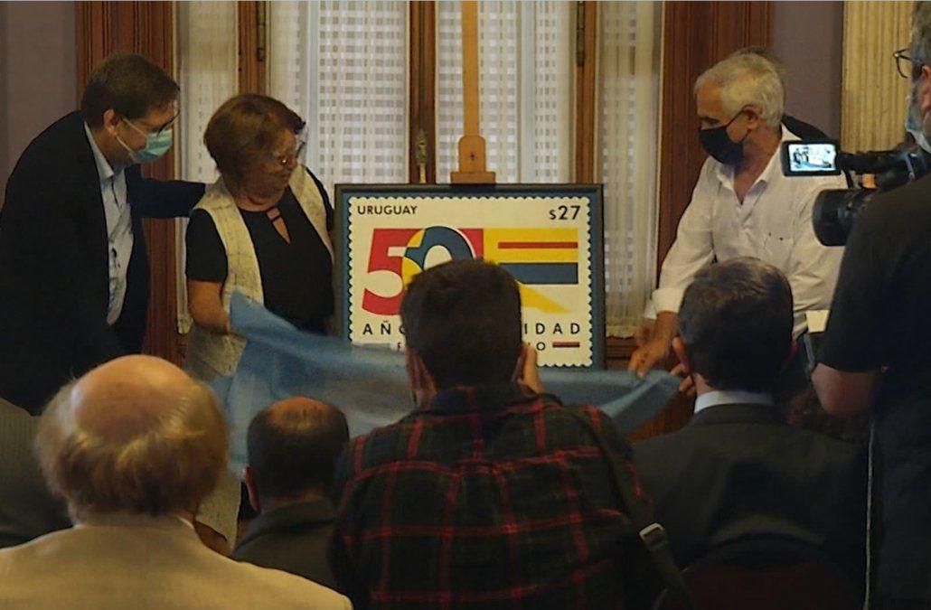 El Frente Amplio celebra 50 años de su creación con un sello conmemorativo