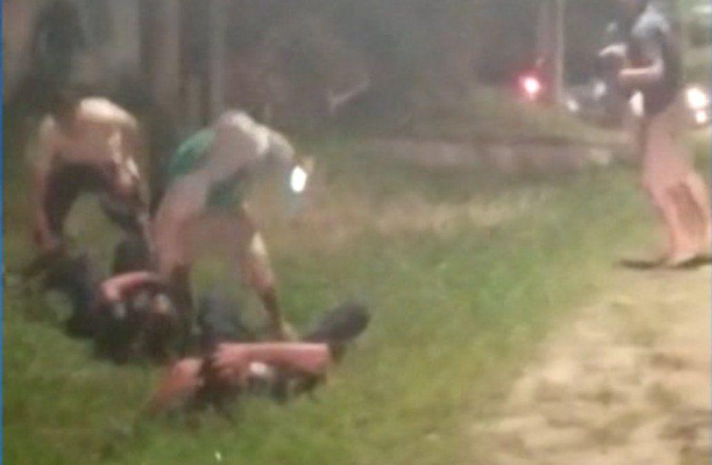 Agresión en Arachania: policías pudieron usar su arma para defenderse, dice el abogado