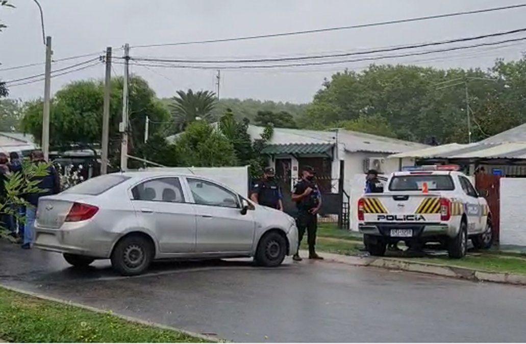 Requerido por homicidio intentó asaltar a un policía, huyó y se escondió en la heladera de una casa