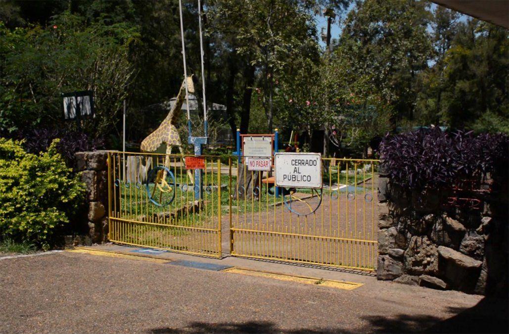 Cierra el zoo de Salto para transformarse en un parque y trasladan a 700 animales