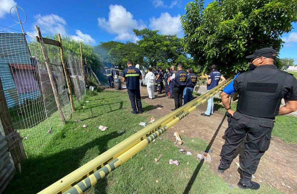 Imputaron homicidio a la pareja detenida tras el hallazgo de dos cuerpos enterrados en una casa