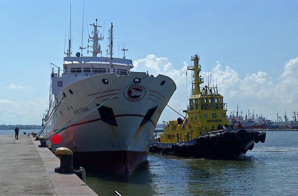 Hisoparon a todos los tripulantes del pesquero con 28 casos positivos de Covid