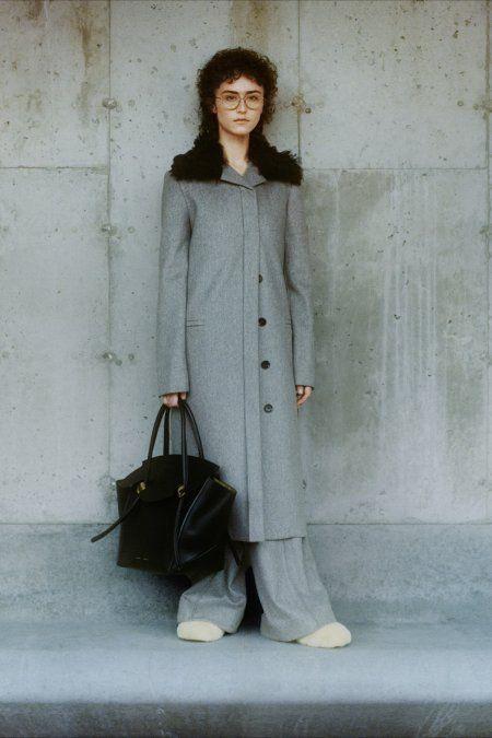La hijastra de Kamala Harris desfila en la Semana de la Moda de Nueva York