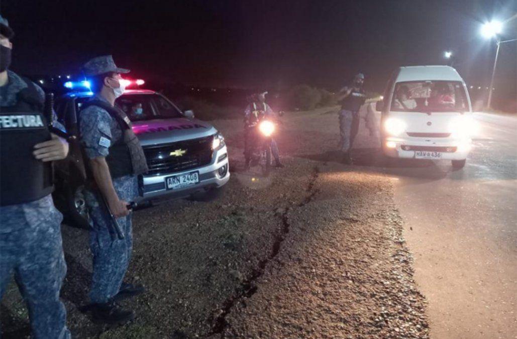 La Armada disolvió varias aglomeraciones; una de 300 personas en Salto