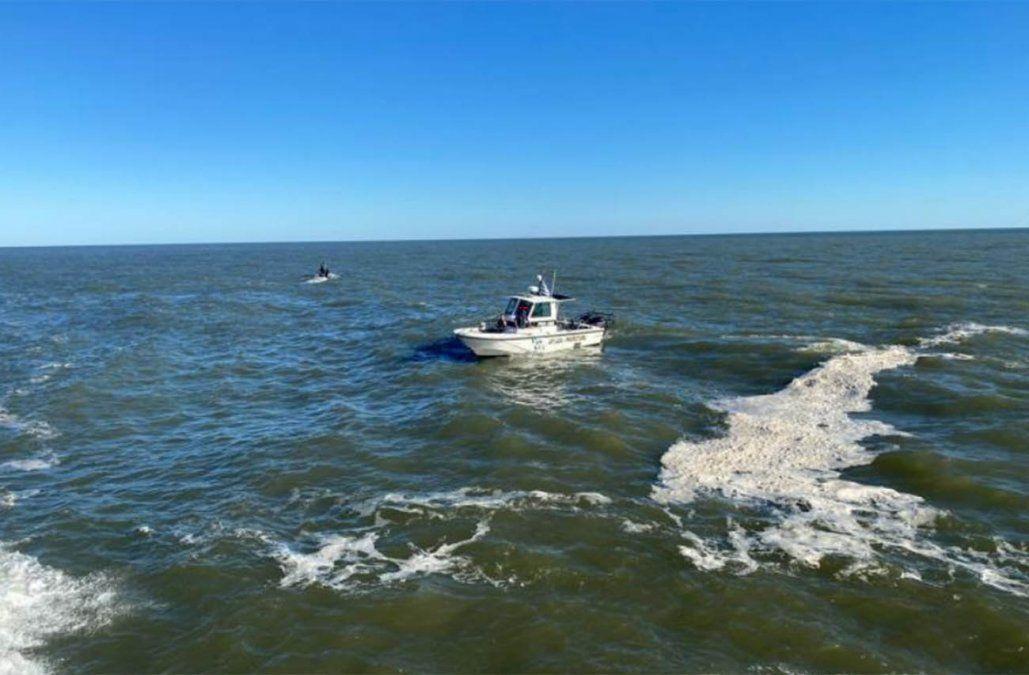 Joven de 18 años falleció ahogado tras tirarse al agua en la Escollera Sarandí
