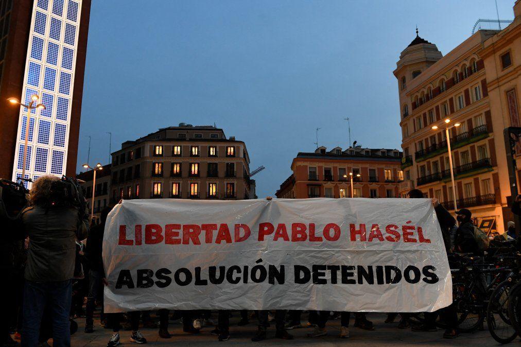 Sexta noche de protestas en Cataluña por el encarcelamiento de rapero que tuiteó contra Rey Juan Carlos I