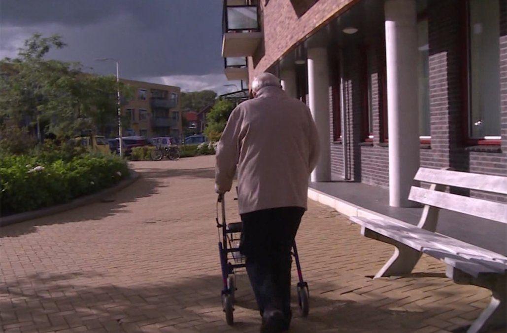 90% de adultos mayores que vive en residenciales se vacunará contra Covid-19