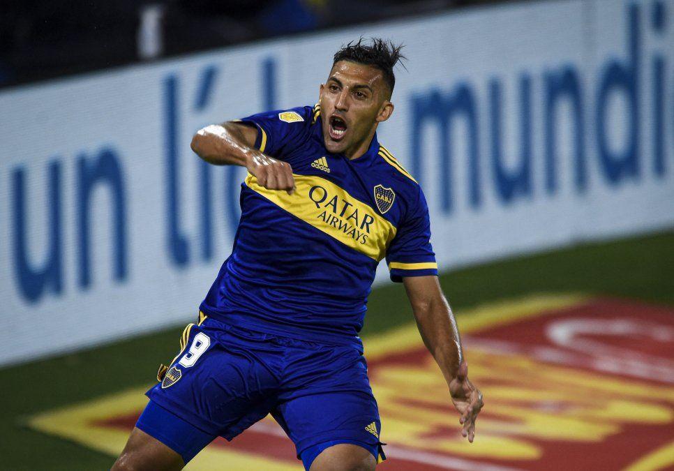 Peñarol busca un 9 con experiencia y pregunta a Boca Juniors por Wanchope Ábila