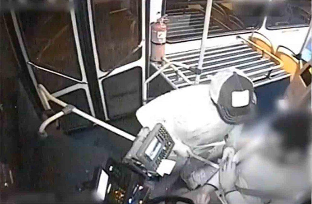 Seis años y dos meses de prisión para joven que rapiñaba ómnibus