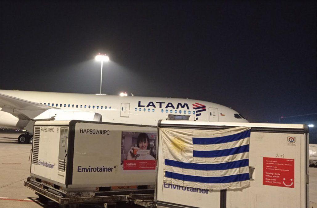 Las vacunas de Sinovac contra el Covid-19 ya están en viaje desde China a Uruguay