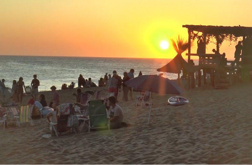 Rocha suspende deportes, espectáculos y actividades religiosas; mantiene abiertos los campings