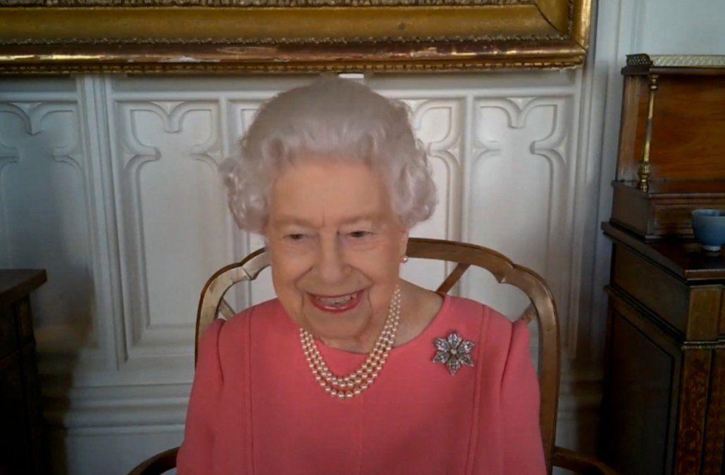 La reina Isabel II anima a los británicos a vacunarse contra el Covid-19