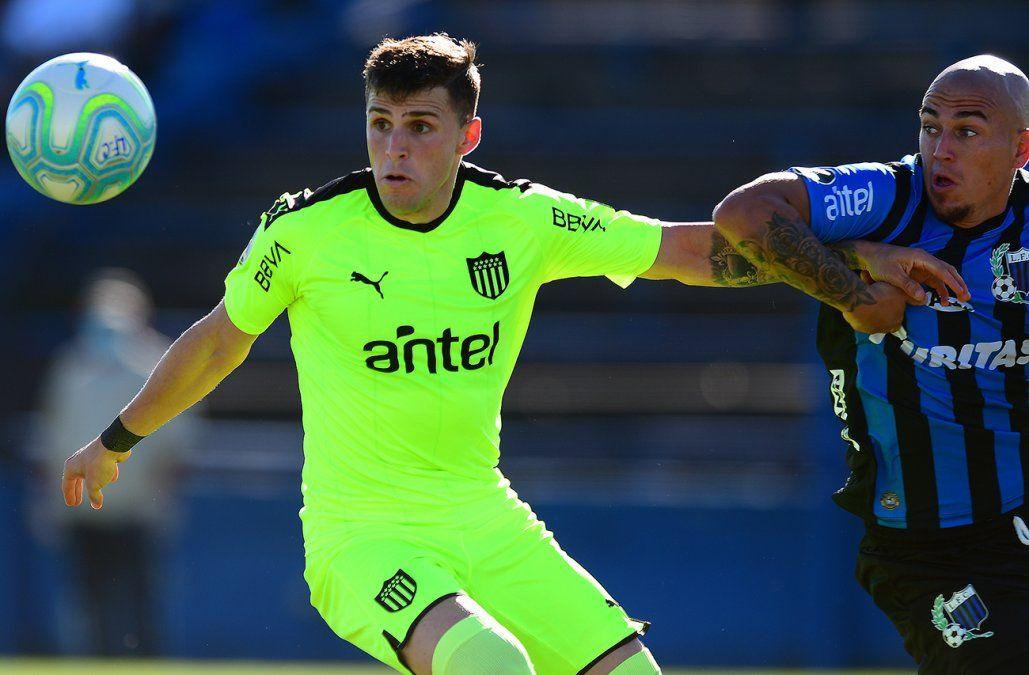 Liverpool empató 1-1 con Peñarol en Belvedere y se mantiene como único puntero