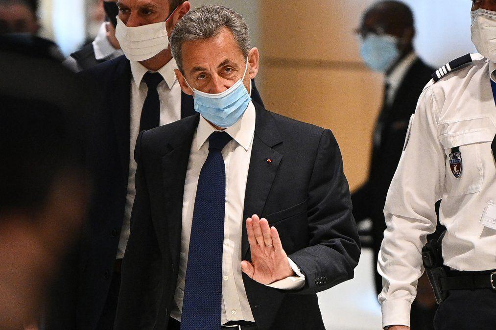 Expresidente francés Nicolas Sarkozy condenado por corrupción a 3 años de cárcel