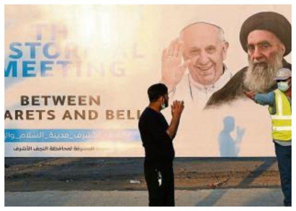Papa Francisco llega a Irak en un viaje de altísimo riesgo por seguridad
