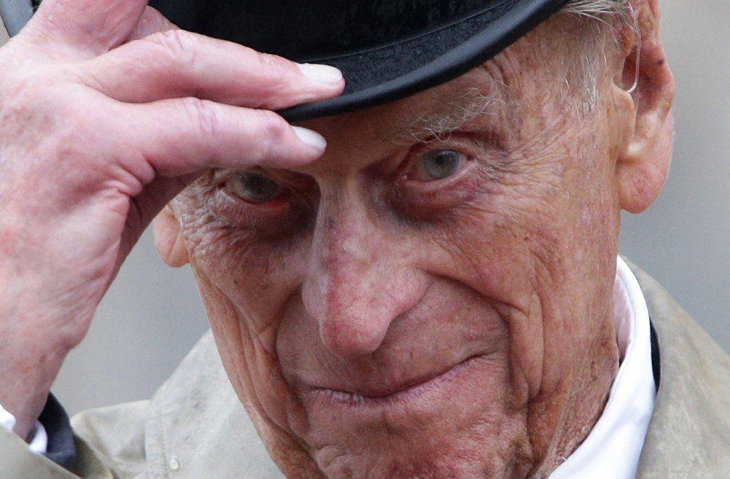 El marido de la reina Isabel II fue trasladado nuevamente de hospital en Londres