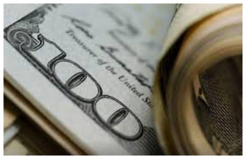 El dólar arranca nueva semana tras varios días en alza: el viernes llegó a 45.60 pesos en la venta