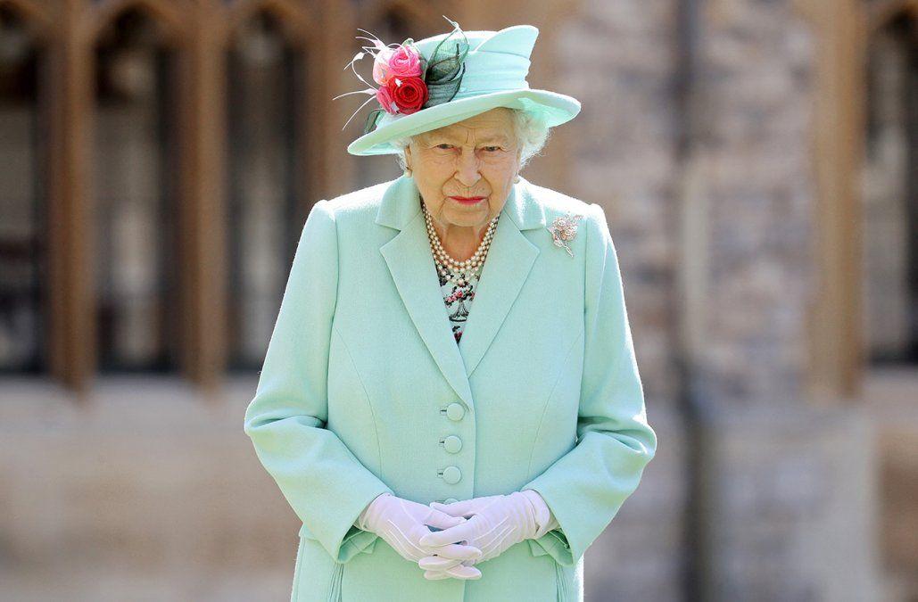 La reina Isabel II respondió a la explosiva entrevista de Harry y Meghan