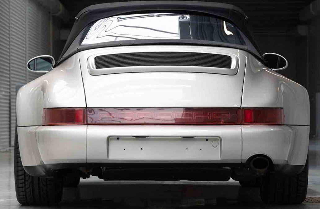 Un Porsche que perteneció a Maradona, subastado en París por 574.000 dólares