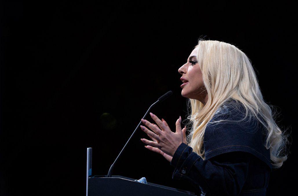 Lady Gaga solidaria con Japón en el aniversario de la triple catástrofe de 2011