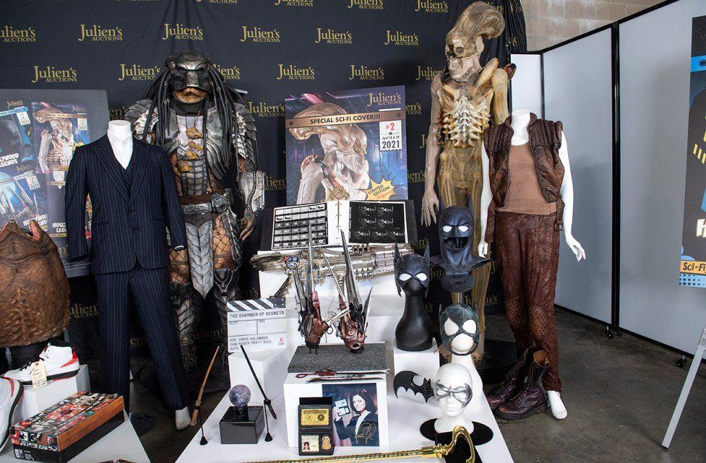 El prototipo de Alien, el traje de Scarface y la varita de Harry Potter, a subasta