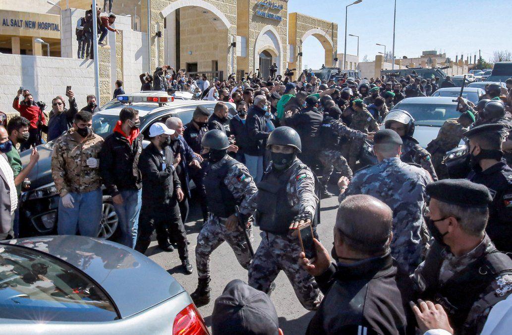 Detienen en Jordania a director de hospital tras 7 muertes de Covid