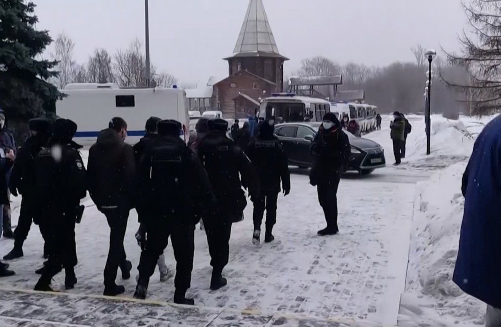 Cerca de 200 detenidos en Rusia en un foro político de la oposición