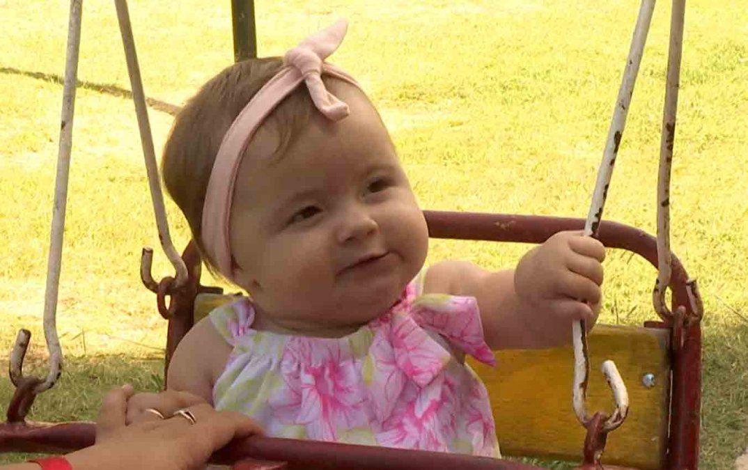 Delfina padece una cardiopatía y necesita realizarse una operación en Argentina