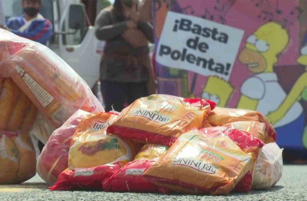Polentazo en Argentina contra el gobierno en protesta por la pobreza y en busca de subsidios alimentarios