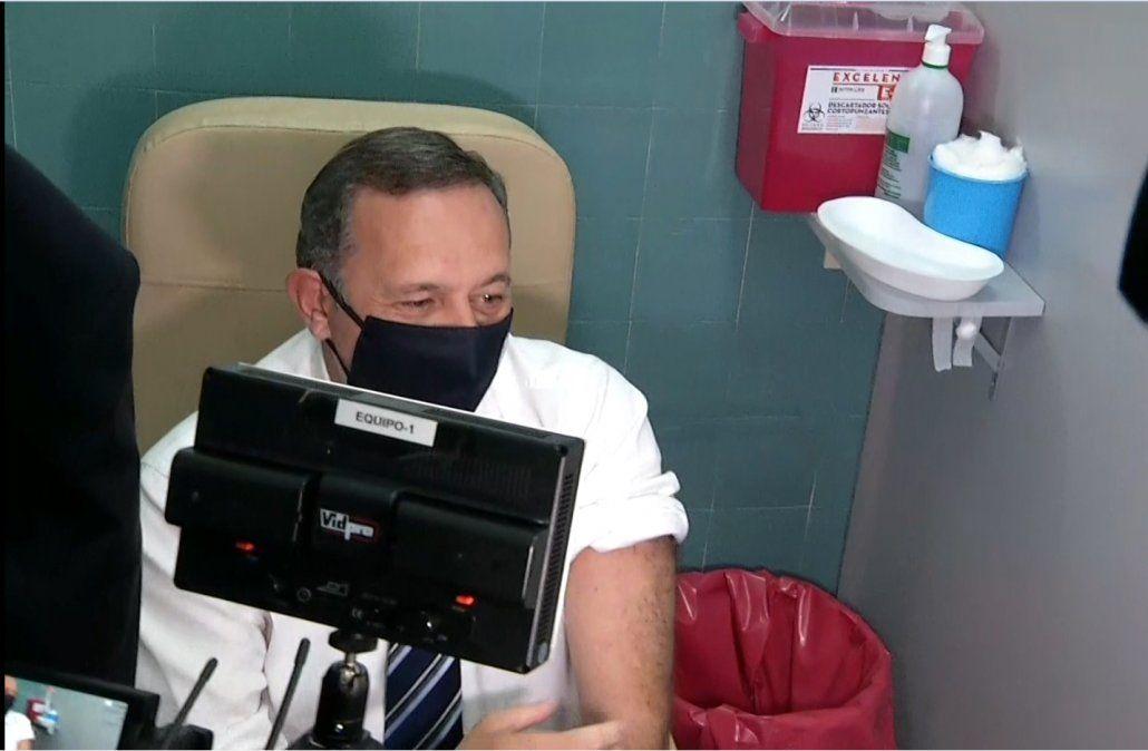 Álvaro Delgado destacó que ya se vacunó más del 10% de la población objetivo
