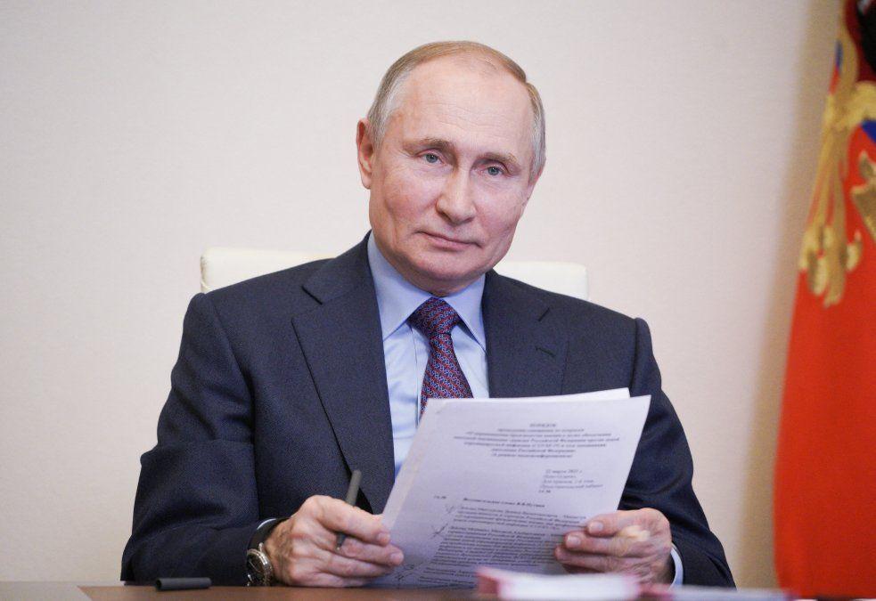 Putin se vacunará hoy contra el covid-19 con una de las tres vacunas rusas