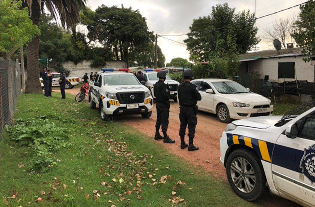 Un delincuente se atrincheró en una casa, pero cuando la Policía entró ya no estaba