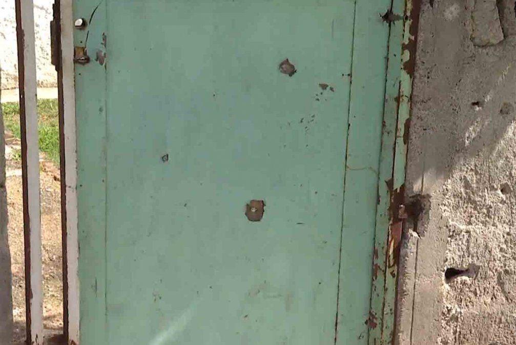 Atacaron a balazos a una vivienda; una mujer de 77 recibió tres disparos