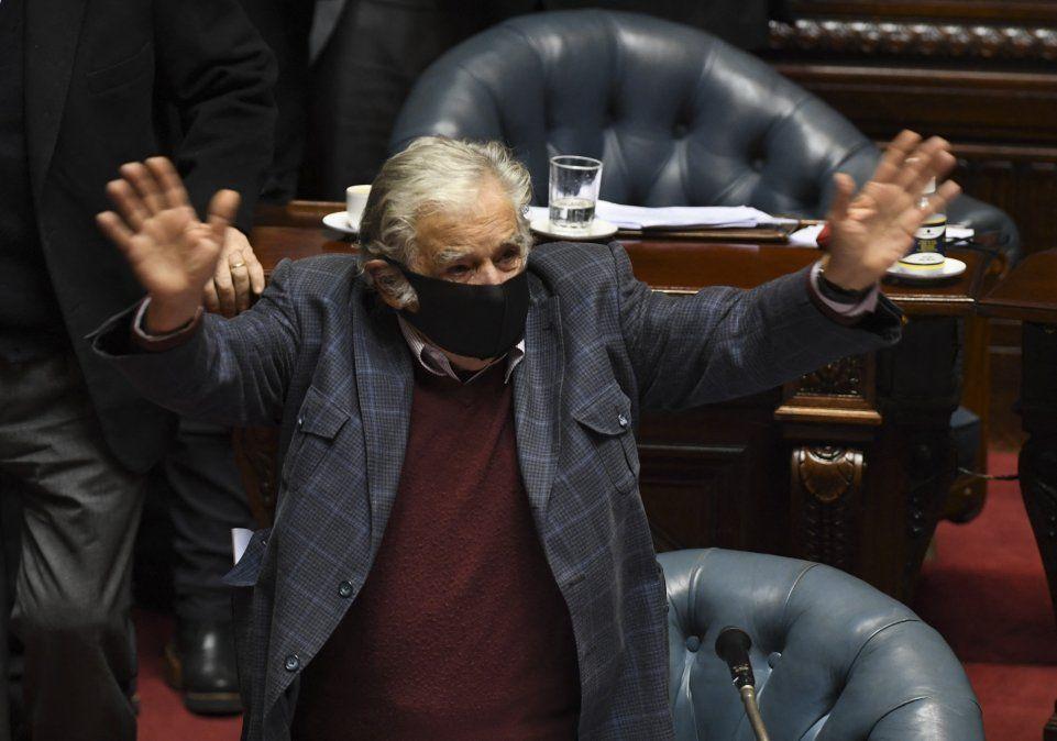 Mujica se despide del Senado de la República en octubre de 2020. Amo la política