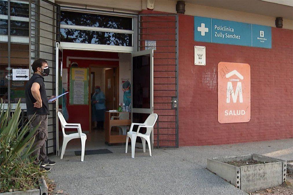 Intendencia ofreció al Ejecutivo instalaciones para vacunar en locales y desde vehículos